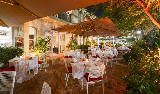 This Elegant And Chic Restaurant Offers Lunch Dinner Throughout The Miami E Festival One Of Best Aspects Is Ambiance